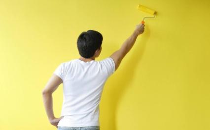 贴墙纸在开关的地方怎么切(贴墙纸要把开关插座拆了吗)插图