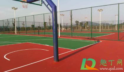 篮球场地标准尺寸是多少4