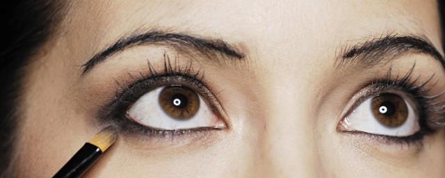 左眼跳是什么兆头(左眼跳是什么兆头周公解梦)插图
