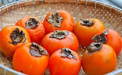 柿子怎样催熟快又好吃(柿子催熟最简单的方法)